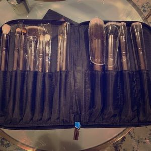 Morphe 12 piece brush set